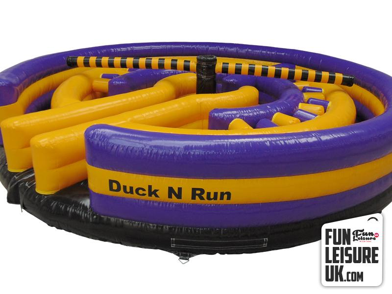 Duck 39 n 39 run inflatable hire fun leisure uk for Duck run designs