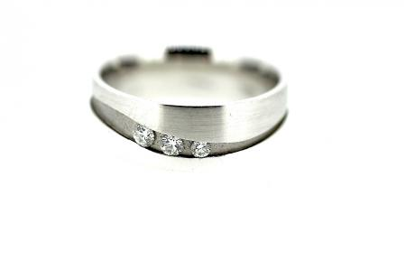 18ct Designer Diamond Wedding Ring  (0111)