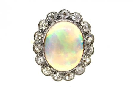 18ct Art Deco Platinum with Opal and Diamond