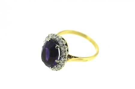 18ct Gold Diamond and Amethyst Ring