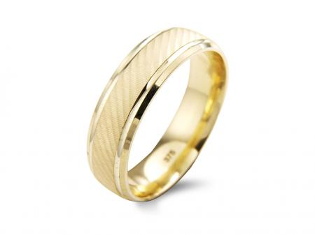 Gold Band with Etching and Grooves (AM1732)
