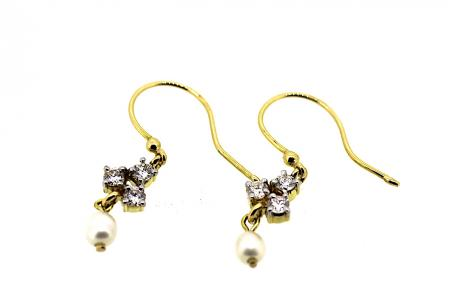 18ct Diamond and Pearl Drop Earrings (1587)