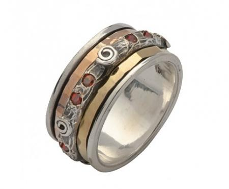 Garnet Three Tone Spinning Ring (r533)