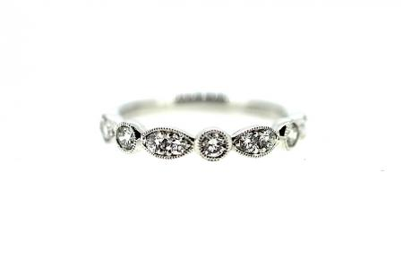 Platinum Vintage Style Diamond Band (RG008)