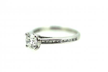 18ct White Gold Diamond Solitaire (J0023)