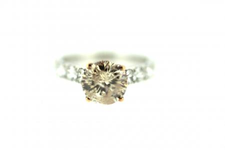 18ct Pink Diamond Solitaire & Diamond Shoulders (J0027)