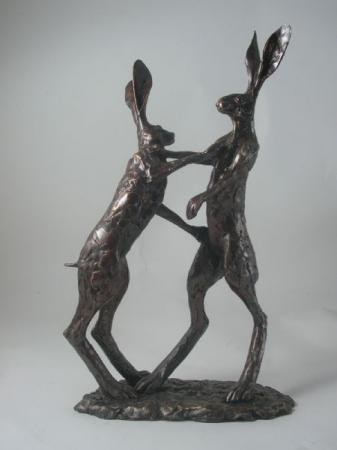 Paul Jenkins Boxing Hares Sculpture / Frith Sculptures