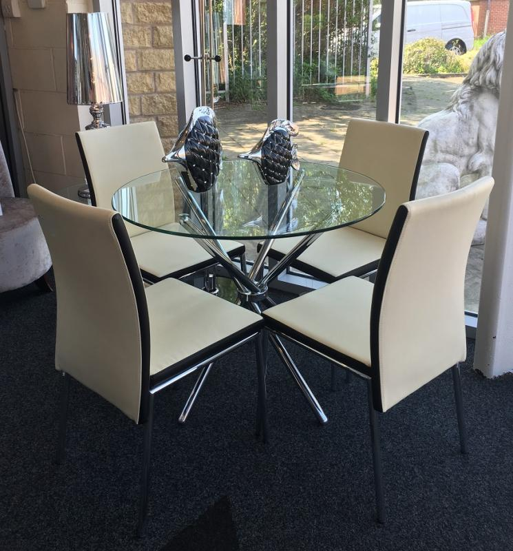 Clear Glass Dining Table Set / 4 Cream PU Chairs