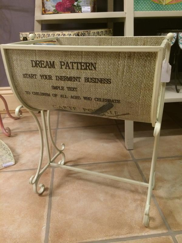 shabby chic cream metal magazine rack bird script design ebay. Black Bedroom Furniture Sets. Home Design Ideas